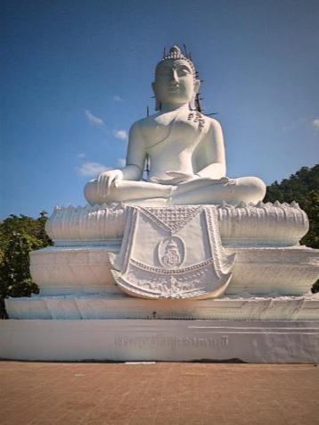 Buddha Figur am Tempel in Pai Nordthailand